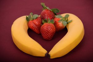 Fresh strawberries and bananas make healthy drink.